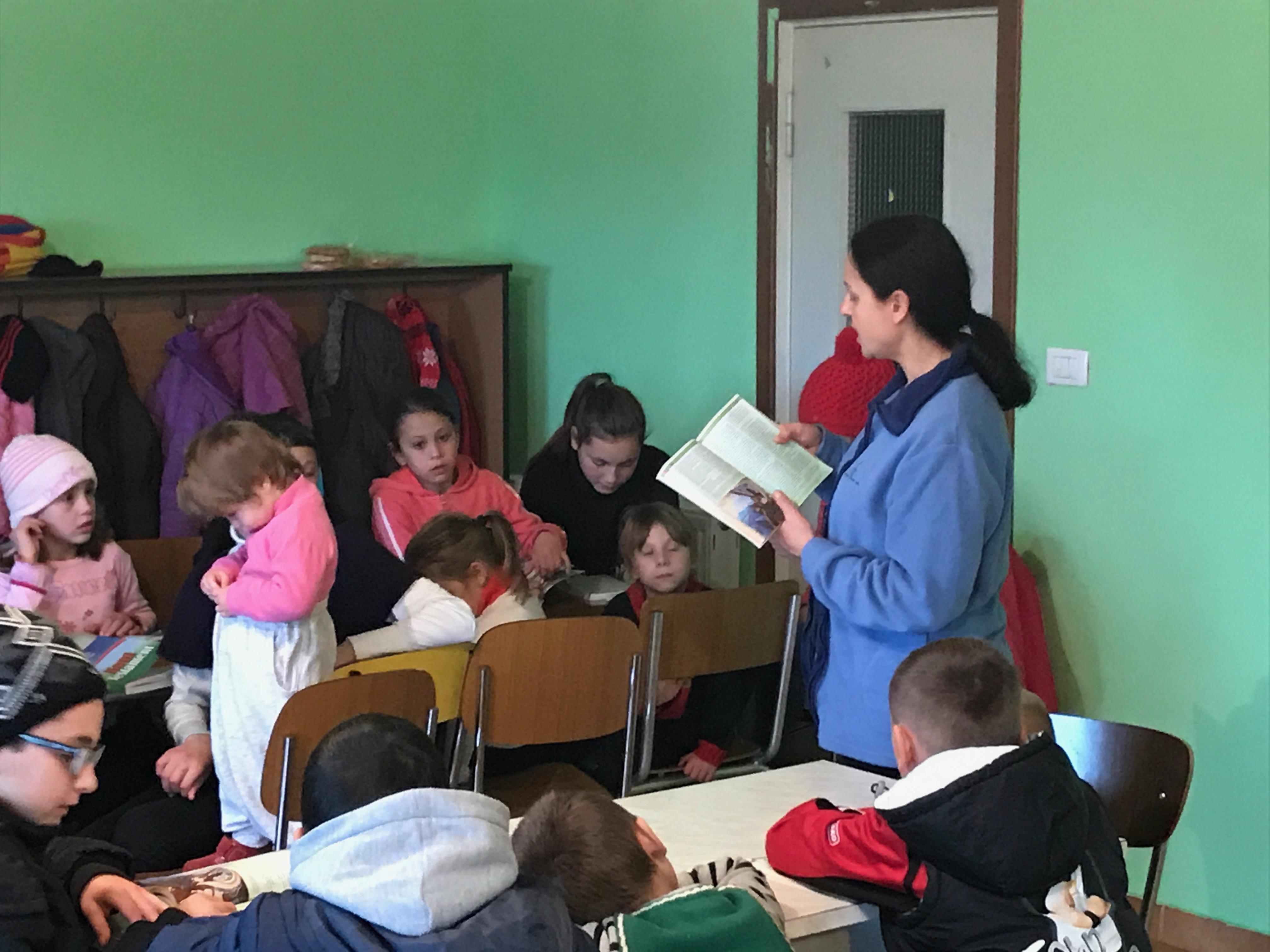 Mihaela continua la lezione sul vangelo di Luca.